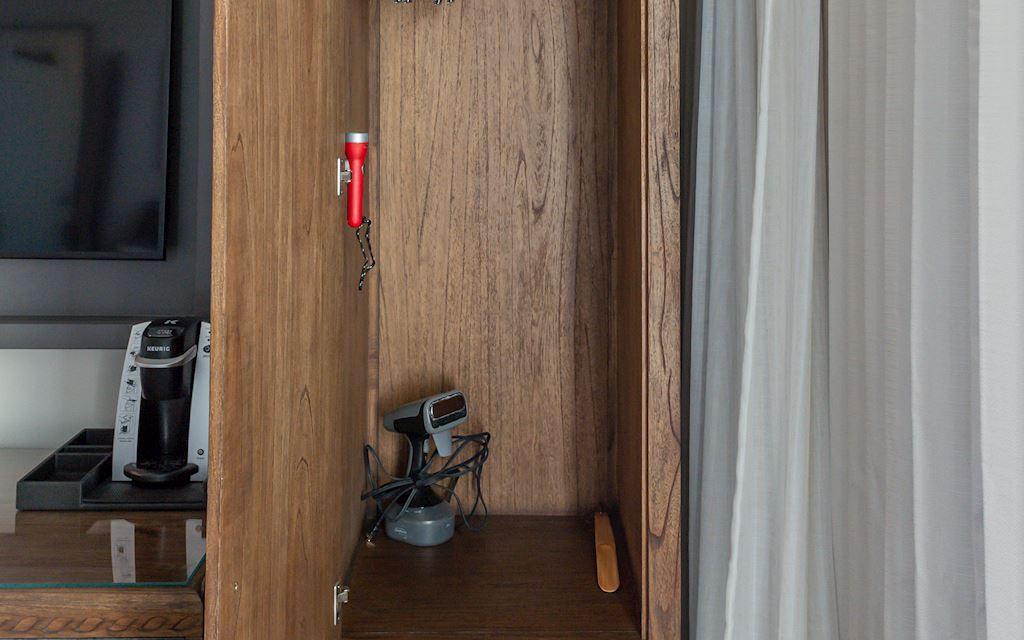 Hotel E Closet Amenities